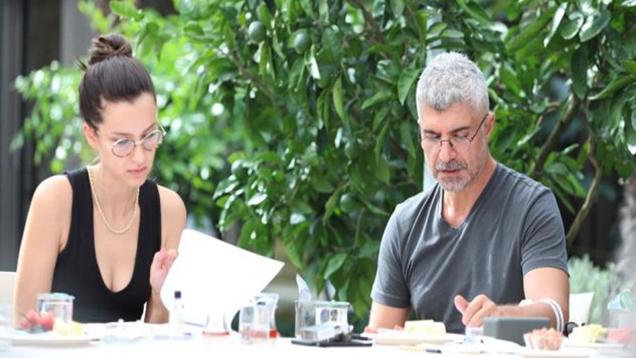 """Özcan Deniz'in Yeni Projesi """"Seni Çok Bekledim' Çekimlere Başladı! İşte İlk Kareler"""